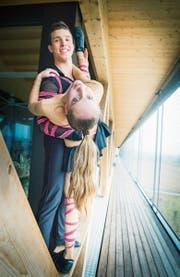 Biegsame und sportliche Rock'n'Roll-Tänzer: der Frauenfelder Josua Gall und seine Tanzpartnerin Vivien Kressebuch aus Hörhausen. (Bild: Andrea Stalder)
