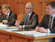 Bauherr Stefan Sutter wehrt sich erfolgreich gegen einige Anträge im Rahmen der Beratungen. (Bild: Roger Fuchs)