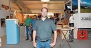OK-Chef Beat Rüegsegger ist überzeugt, dass sich das Engagement des Grabser Wiga-Gemeinschaftsstandes für die Aussteller der IG Grabs lohnt. Das Miteinander sei toll und man könne sich der Bevölkerung der ganzen Region positiv präsentieren. (Bild: Thomas Schwizer)