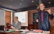 Der Geschäftsführer der Wipa, Thomas Wipf (l.), und Verwaltungsratspräsident Armin Eugster an der Generalversammlung. (Bild: Philipp Haag)