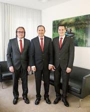Die Bankleitung mit Daniel Schwarzenbach (Services), Ruedi Bleichenbacher (Vorsitzender) und Daniel Fischer (Markt und Vertrieb). (Bild: PD)