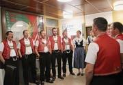 Der Jodelchor Heimetfreud lockerte die FDP-Veranstaltung musikalisch auf. (Bild: Martin Knoepfel)