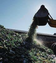Das Überangebot an vielen der Wertstoffe wie Altglas, Altpapier oder Metallschrott führt zu tiefen Vergütungen. (Bild: Trix Niederau)