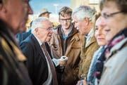 Christoph Blocher im Gespräch mit dem abtretenden Thurgauer SVP-Nationalrat Hansjörg Walter. (Bild: Reto Martin)