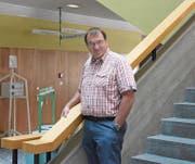 Schwingerkönig und Akademiker: Seit 27 Jahren ist Ernst Schläpfer Rektor des Berufsbildungszentrums in Schaffhausen. (Bild: BEI)