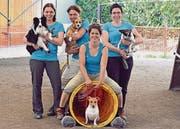 Alexandra Forestier mit Luna, Sonja Müller mit Capo, Tanja Heeb mit Vana und Barbara Heeb mit Capri (von links). (Bild: pd)