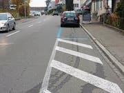 Bahnhofstrasse: Korrekterweise müssten Autofahrer hier seitwärts einparkieren. (Bild: Benny Studer / PD)