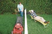 Der eine will Rasen mähen, der andere ausruhen. Blöd nur, dass man so nah beieinander wohnt... (Bild: Getty)