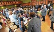 Die Stimmenzähler des Thurgauer Grossen Rates walten ihres Amtes. Bald könnte ihre Arbeit überflüssig werden. (Bild: Donato Caspari)