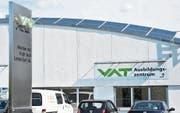 Die VAT hat in einem halben Jahr die Anzahl der Mitarbeitenden in Haag um 180 auf rund 1100 (in Vollzeitstellen) ausgebaut. (Bild: Thomas Schwizer)