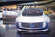 Autonomer Mercedes-Benz: Das Forschungsfahrzeug F015. (Bild: Ralph Ribi)