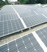 Mit Photovoltaik für die Umwelt. (Bild: zVg)