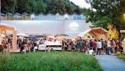Musik und Flanieren: Gemütliches Ambiente am Poolbar-Festival. (Bild: Matthias Rhomberg/PD)