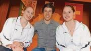 Die Sportler Melanie Schmid, Martin Hubmann und Jennifer Schmid (v. l.) im Bächelacker. (Bild: Rudolf Steiner)