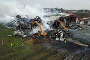 Der Grossbrand bei der Tobi Tafelobst AG in Egnach verursachte einen Schaden in Millionenhöhe. (Bild: GIAN EHRENZELLER (KEYSTONE))