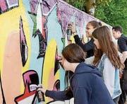 Am Actionday in Goldach können sich Jugendliche unter anderem beim Malen von Graffiti austoben. (Bild: ZVG)