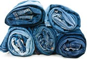 Die Produktion von Jeans ist mit zahlreichen Risiken für die Arbeiter behaftet. (Bild: Archiv)