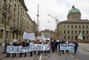 Kundgebung von SDA-Mitarbeitern gestern in Bern. (Bild: Anthony Anex/Keystone)