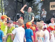Sänger Andrew Bond beim Auftritt letzten September. (Archivbild: Martina Eggenberger Lenz)