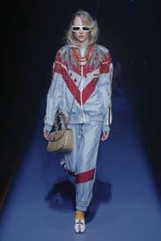 Dass Modedesigner provozieren wollen, ist nicht neu. Doch selten war Mode absichtlich hässlich. 2018 wird nun alles chic, was die Neunziger an Zumutungen fürs Auge boten. (Bild: Getty)