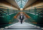 Die Sanierungen sind abgeschlossen: Rektor Felix Lengwiler im Bildungszentrum Arbon. (Bild: Andrea Stalder)