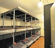 Blick in einen Schlafsaal für Wehrmänner im ehemaligen Kommandobunker der Grenzbrigade 7 in Weinfelden. (Bild: Nana do Carmo / TZ)