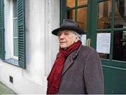 Seit 40 Jahren ist Paul Nizon in Paris zu Hause. Gäbe es einen Paris-Pass, so nähme er ihn gern, sagt er. (Bild: Marie Rauch)
