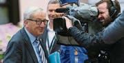 Im Fokus des öffentlichen Interesses: EU-Kommissionspräsident Jean-Claude Juncker trifft zum Gipfel ein. (Bild: epa/Olivier Hoslet)