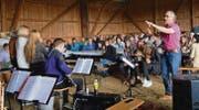 Die Festwirtschaft am Ende des Weges war gut besetzt, und die Sproochbrugg-Band konnte vor zahlreichem Publikum aufspielen. (Bilder: Zita Meienhofer)