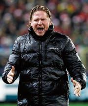 Hamburg-Trainer Markus Gisdol steht mit seinem Team vor schwierigen Spielen. (Bild: Ronald Wittek/EPA)