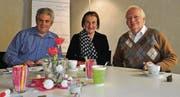 Bereiten sich auf den Philosophie-Café-Treff vor: Pfarrer Damian Brot, Renata Egli-Gerber und Urs Egli. (Bild: Nicole D'Orazio)