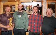 Wechsel im Vorstand (von links): Andreas Rothenberger, ehemaliger Flaggalahoppma; Manuel Büchel, neuer Flaggalahoppma; Remo Büchel, neuer Präsident; Heinz Müntener, ehemaliger Präsident. (Bild: PD)