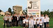 Das OK der Schweizer Meisterschaft sowie die Sponsoren und die Nationalturnriege Neuwilen. (Bild: PD)
