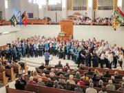 Das letzte Stück des Konzerts «Ladu, lebt wohl, ihr Freunde» sagen alle acht Chöre des SVW zusammen. (Bild: Julia Kaufmann)