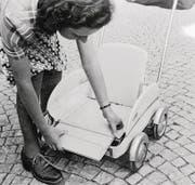 Der zusammenklappbare Kinderwagen «DoDo» (1945).