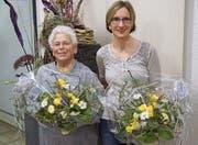 Marianne Lippuner wurde für 50 Jahre Vereinstreue, Alexandra Huber für die Zertifizierung zur Kursleiterin 1 SSB, geehrt (von links). (Bild: PD)