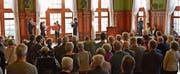 Das Brass-Quartett der Musikschule Weinfelden spielt am Neujahrsapéro der Gemeinde Weinfelden vor vielen Gästen im Rathaussaal. (Bild: Mario Testa)
