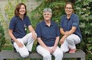 Die Breast Care Nurses Brigitte Wüst, Prisca Allemann und Rahel Weder (von links) betreuen die Patientinnen im Spital Grabs und im Spital Walenstadt. (Bild: Doris Lippuner/SR RWS)