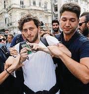 Verhaftung an der Gay Pride. (Bild: epa)