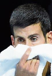 Sie stehen stellvertretend für die überbelastete Tenniselite: Novak Djokovic (links) ist nach seiner Verletzungspause wieder zurück im Geschäft, Andy Murray muss auf die Australien Open verzichten. (Bilder: AP/EPA)