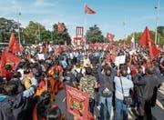 Anhänger der Tamil Tigers bei einer Demonstration in Genf. (Bild: Salvatore Di Nolfi/Keystone (Genf, 26. September 2016))