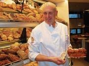 Silvio Dietsche ist stolz auf seine Spezialitäten. (Bild: Roland P. Poschung)
