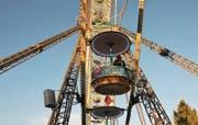 Die Heimatgondel ist auch auf dem Riesenrad an der Wega im Einsatz. Das Stapferhaus Lenzburg befragt Besucherinnen und Besucher zu ihren Heimatgefühlen. (Bild: PD)
