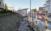 Der Mühltobelbach rauscht zwischen der Heidenerstrasse und der Schulanlage Mühletobel durch ein neues Bett. (Bild: Perrine Woodtli)