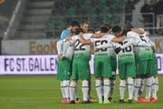 Mit einer geschlossenen Teamleistung soll es beim FC St.Gallen wieder besser laufen. (Bild: freshfocus)