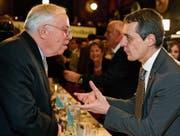Aussenminister Ignazio Cassis mit SVP-Übervater Christoph Blocher. (Bild: Walter Bieri/ky)