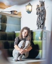 «Der Gedanke, dass der <Chachelofen> erlöscht, macht mir zu schaffen», sagt Nelli Schönenberger. (Bild: Martina Basista)