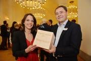 Mona Vetsch mit Jurypräsident David Angst. (Bild: Reto Martin)
