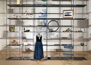 Jedes Ausstellungsstück ist mit einer ganz persönlichen Geschichte von Menschen aus der Region Werdenberg verbunden. (Bild: Mathias Bidstein)