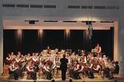 Der Musikverein startete am Samstag auch die Spendensammlung für neue Uniformen. (Bild: Manuela Bruhin)